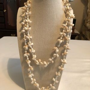 Vintage Island natural shell necklace